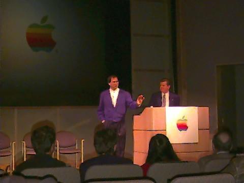 Rare photo of Steve Jobs returning at Apple (1996)