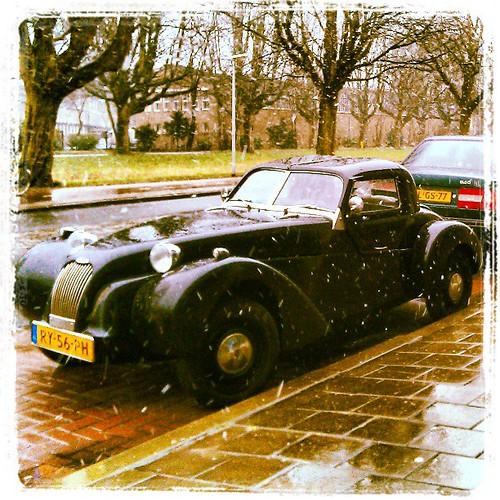 #oldtimer #delft #snow #wet #tudelft