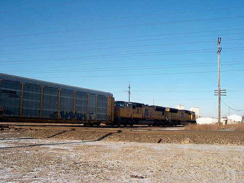 Northbound Union Pacific auto rack train passing through Mc Cook Junction.  Mc Cook Illinois.  January 2007. by Eddie from Chicago