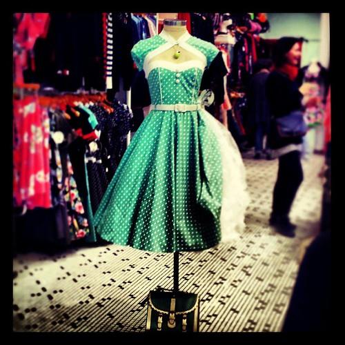 Imaginando a Audrey Hepburn #instagram #igerspain #instagramer #instamood #igerespaña #igmaster #instamatic #ig #instagramers #igersbarcelona #igers #instagrammers #ilovebarcelona #instagreat #instagramhub #dress #fashion #dresses #vestido #photooftheday