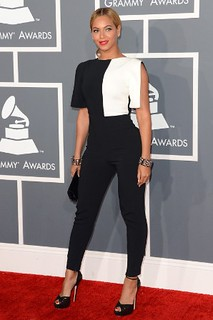 Beyonce Monochrome Trend Celebrity Style Women's Fashion