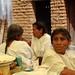 Mujeres mixes en la Fiesta de ofrenda para la cosecha del grano de café - Mixe women at party and offering for the coffee harvest; San Cristóbal Lachiroag, Región Sierra Juárez, Oaxaca, Mexico por Lon&Queta