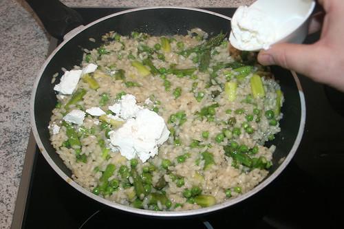33 - Ziegenfrischkäse hinzufügen / Add soft goat cheese