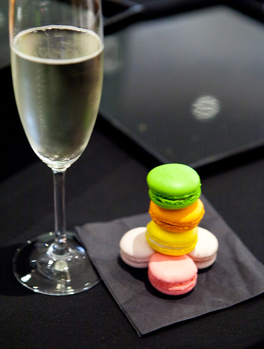 Vendôme macarons with Prosecco