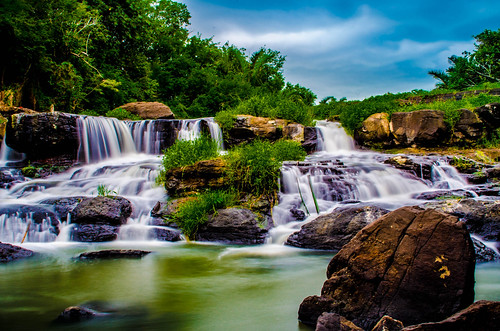 green water waterfall rocks mauritius cokin ndfilter maritimhotelmauritiusbalaclava