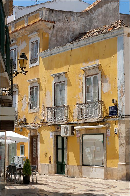 Uliczki Faro w Portugalii