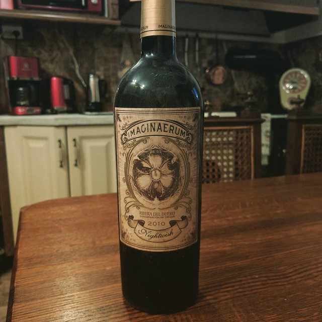 Seemed appropriate on the evening before the big event that we crack this bad boy open.  #Kippis #nightwish #imaginaerum  #riberadelduero #2010