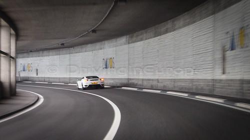 ダボスへ通じるトンネル