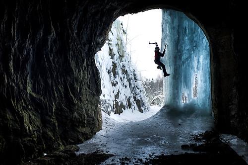 ice helmet climbing solo axe jyväskylä crampons tunneli kiipeily putous jääkiipeily leppälahti metsolahti