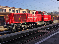 metropolitan area, vehicle, transport, rail transport, locomotive, rolling stock, track, land vehicle,