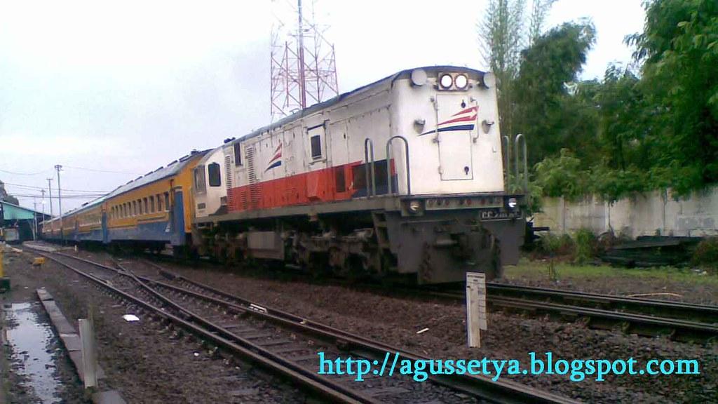 Kereta Api logawa Purwokerto