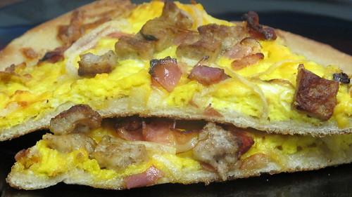 Breakfast pizza by Coyoty