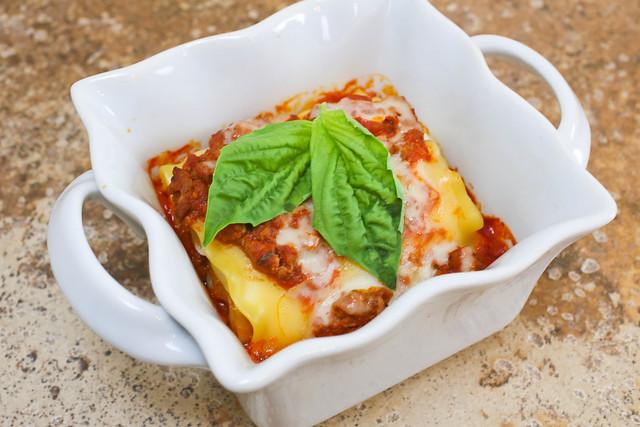 Tomato Basil Lasagna Rolls-003.jpg