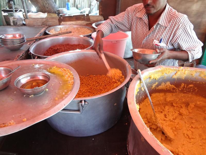 Comida num restaurante em Hargeisa