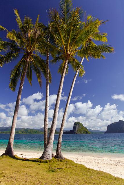 El Nido Beach Paradise by Michael Anderson
