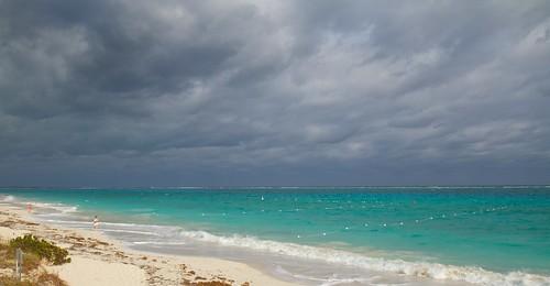 ocean blue beach water islands atlantic springbreak turkscaicos gracebay