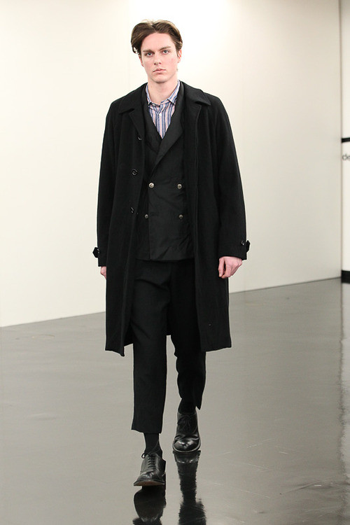 FW13 Tokyo COMME des GARCONS HOMME028_Julian Godfrey(Fashionsnap)