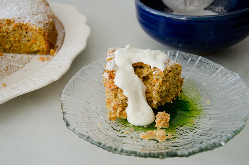carrot almond cake with ricotta cream