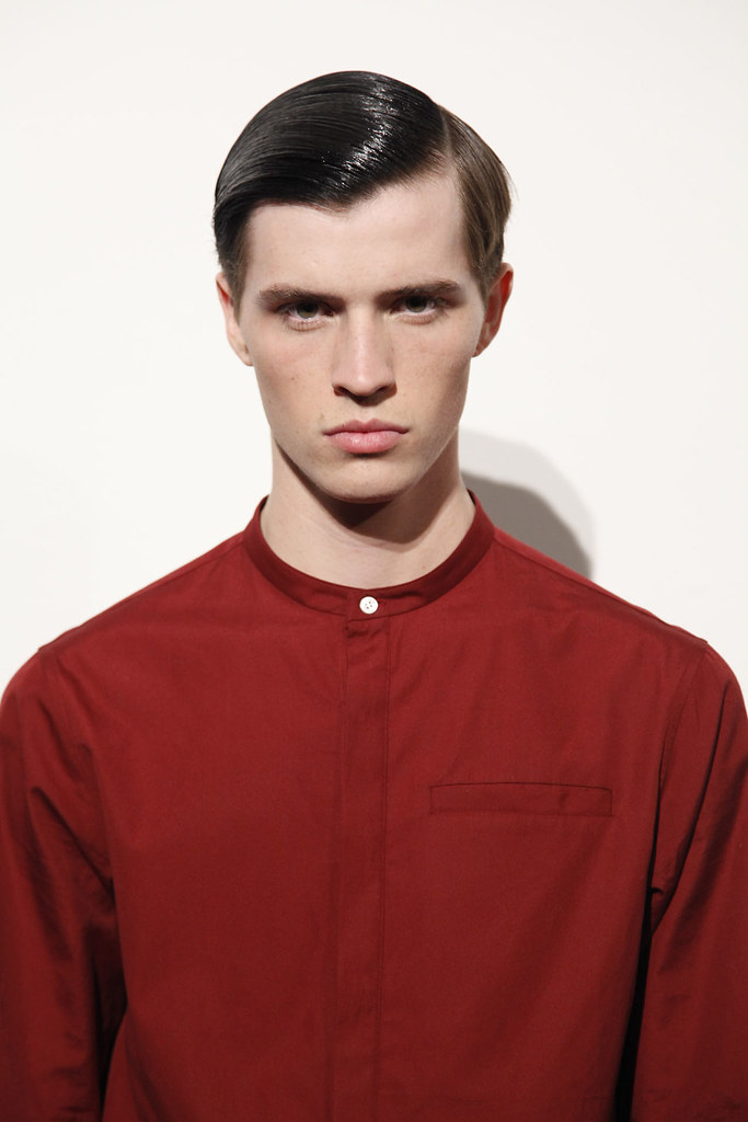 Taylor Cowan3011_FW12 NY Tim Coppens(VOGUE)
