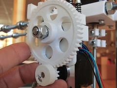 wheel(0.0), steering wheel(0.0), engine(0.0), aircraft engine(0.0), gear(1.0), machine(1.0),