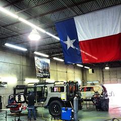 God bless Texas (and the H1 Alpha)! #hummer #h1 #alpha #h1alpha #cartastic #carlover #cars #carspotting #carinstagram #carphotography #instacar #photooftheday #picoftheday #cargramm #autos #guns #bullets #AK47 #M16 #AR15 #texas #sanantonio #texasarmoring