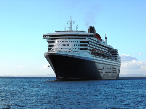 Queen Mary 2 - 9 April 2013 016 by chrisLgodden