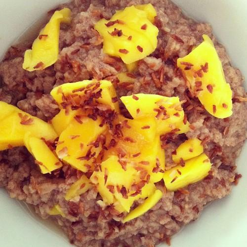 Mango-Coconut TVP Oatmeal