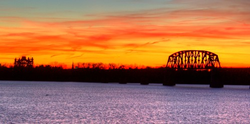 sunset orange silhouette canon river kentucky louisville ohioriver louisvilleky silhouettephotography