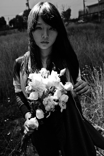 [Free Images] People, Women - Asian, People - Flowers / Plants, Black and White, Taiwanese People ID:201304041400