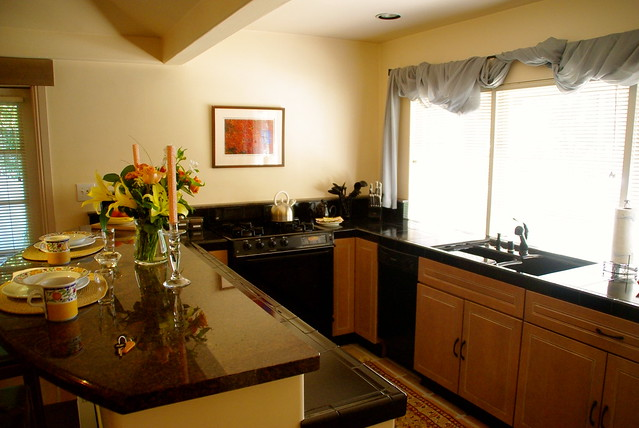 cottage inn and spa kitchen