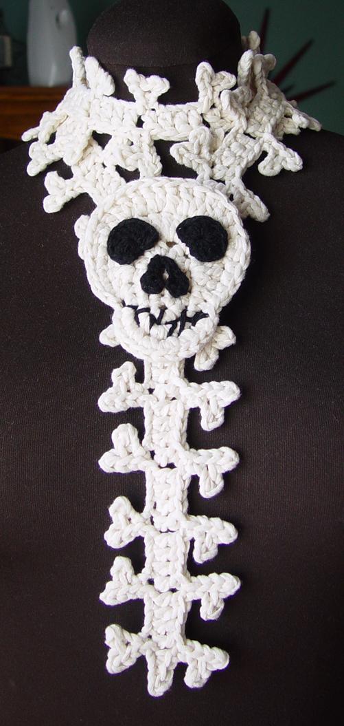Bones scarf