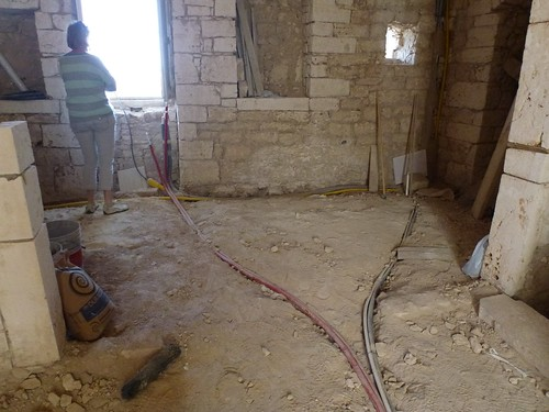 Underfloor heating main pipes