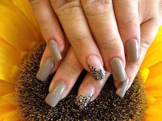Leopard Acrylic Nail Designs