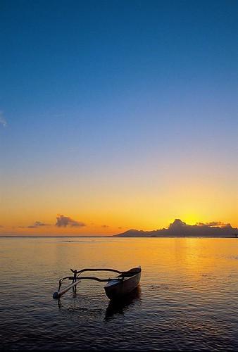 sunrise hotel exterior tahiti spg frenchpolynesia starwood holidayresort starwoodresorts starwoodhotels 97718 lemeridientahiti meetingresort lemeridienhotelsandresorts