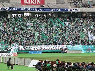 松本「2階席を開けさせろ」、東京「5,000人を迎え撃て」と両チームのクラブとサポーターで盛り上げてきたこの試合。松本は見事に2階席を開けさせることに成功。