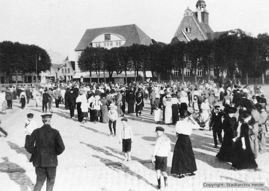 Versammlung auf dem Markt
