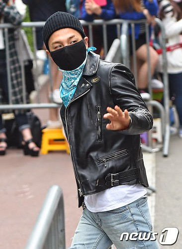 Taeyang BIGBANG KBS Music Bank arrival 2015-05-15 PRESS008
