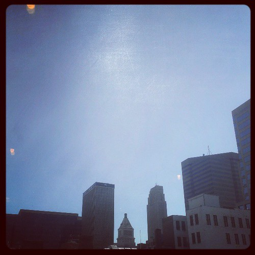 What a gorgeous day! There hasn't been a cloud in the sky all day @DowntownCincy