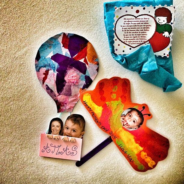 Ispanya'da anneler gunu Turkiye'den bi hafta once bugun ben hediyelerimi aldim☺ Happy mothers day
