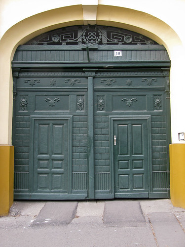 door green hungary entrance debrecen