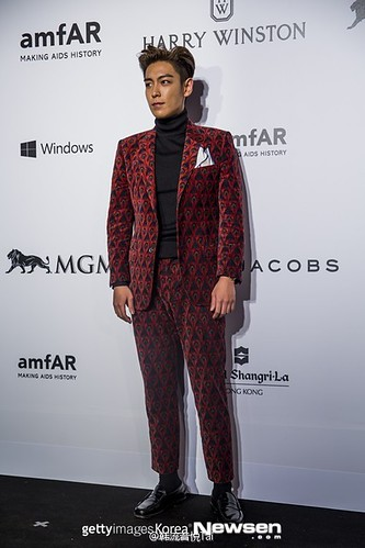TOP - amfAR Charity Event - Red Carpet - 14mar2015 - yinyuetaikoreamusic - 05