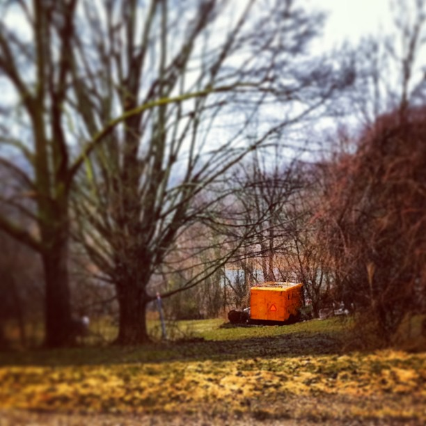 Random #orange trailer on the drive home. #cmglimpse #cmig365apr