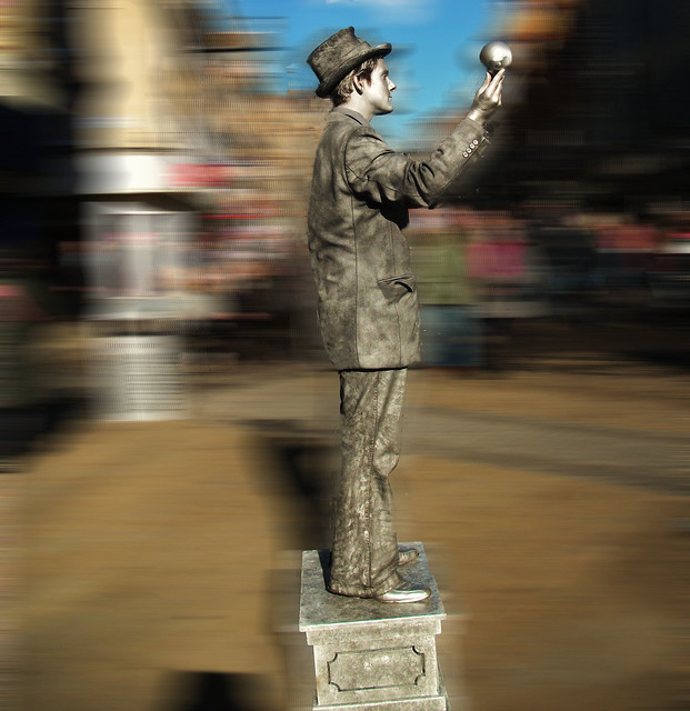 Leeds..a living statue, Fujifilm FinePix AV110