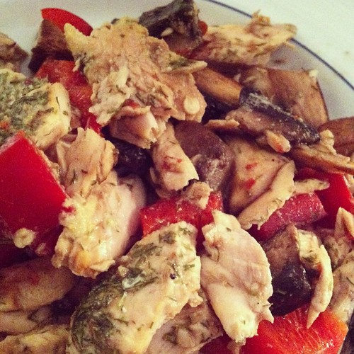 Salmon with mushrooms and red pepper