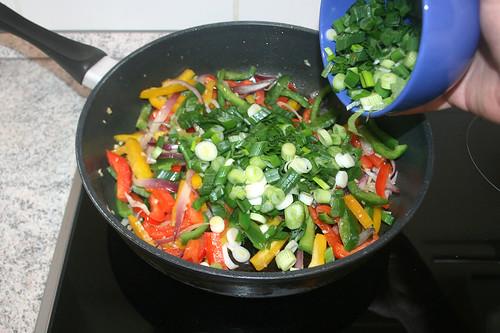 31 - Frühlingszwiebeln addieren / Add spring onions