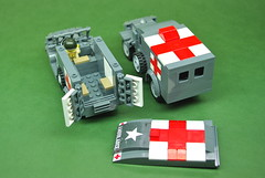 WC54 Ambulance comparison - Dunechaser vs. Brickmania (4)