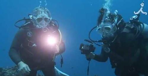 Дайверы говорят под водой благодаря LED-лампам