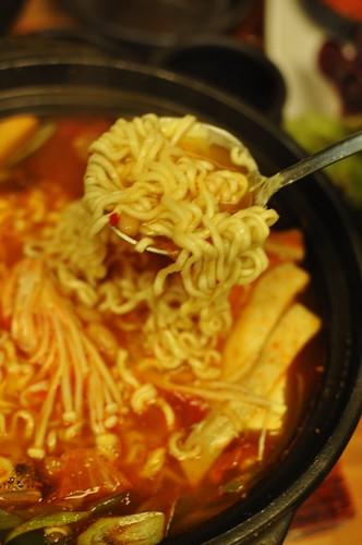 ramen kimchi soup