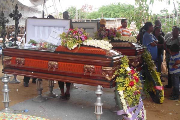 velorio del padre y cuatro hijos asesinados en una tasca