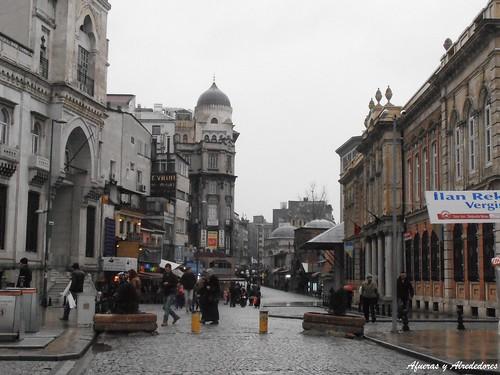 Calle en Eminönü / Eminönü Street